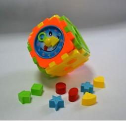 Cub cu forme de potrivit si ceas